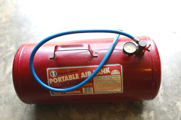 Photo Midwest Portable Air Tank - $25 (Perry)