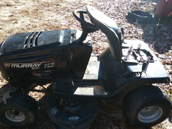 Photo Murray Riding Mower with 12.5 Briggs and Stratton engine - $300 (Macon, Ga)