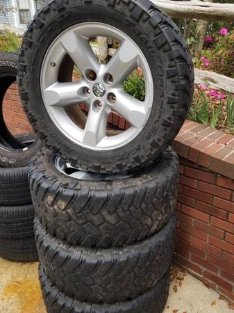 Photo Nitto Trail Tires Rims - $600 (Bonaire)