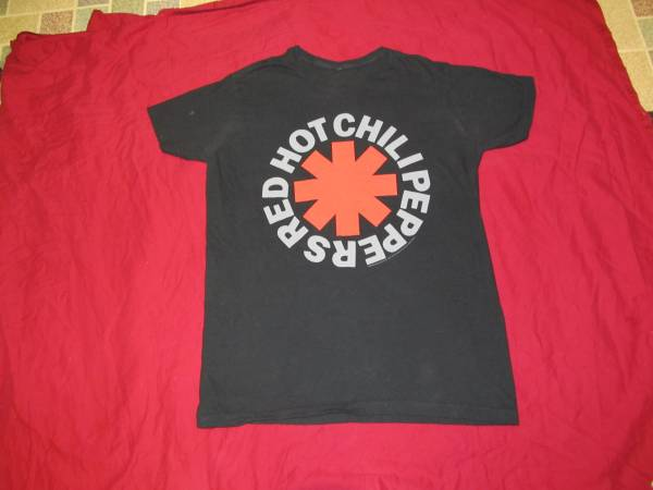 Photo Red Hot Chili Peppers Tee Shirt Xlarge - $20 (MACON)