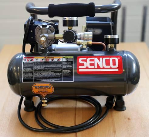 Photo Senco PC1010 1-Gallon Compressor - $90 (Perry)