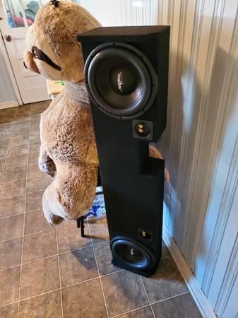 Photo Skar audio 10s in a truck box - $200 (Cochran)