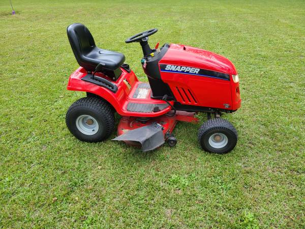 Photo Snapper Riding Lawn Mower - $900 (Warner Robins)
