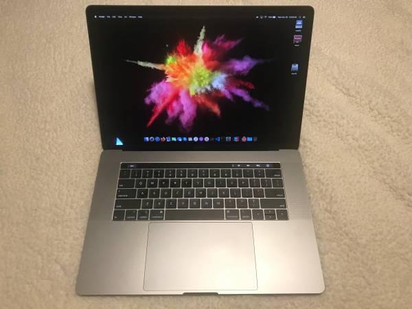 Photo Space Grey 2018 MacBook Pro 15quot i7 256GB 16GB  1TB Flash Drive  Dock - $1,500 (Cumming)