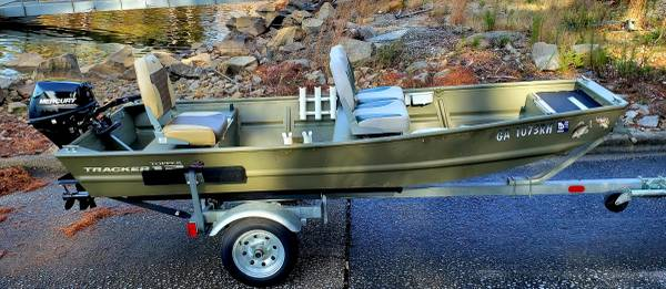 Photo Tracker 1239aluminum jon boat w new motor - $3,399 (Gainesville, GA)
