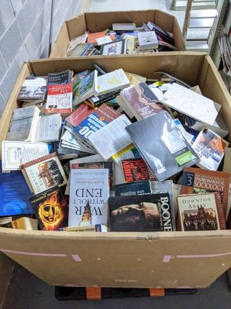 Photo USED BOOKS - All genres Buy one book at a time or by the pallet - $1 (Tucker)