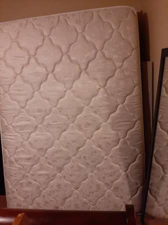 Photo full size serta posturepedic mattress - $125 (Macon)