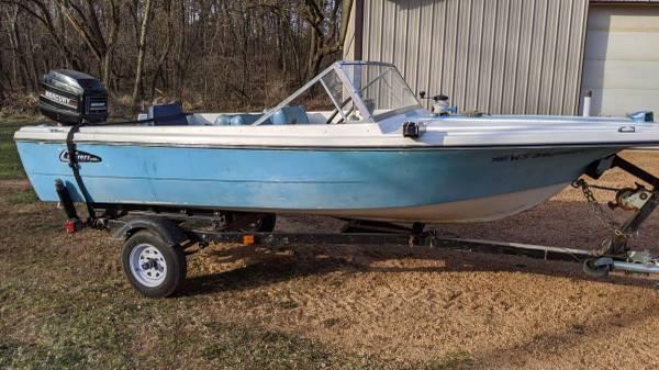 Photo 1970 boat - $975 (Madison)