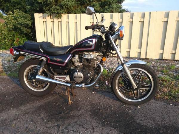 Photo 1982 Honda 450 Nighthawk - $1,500 (Sun Prairie)