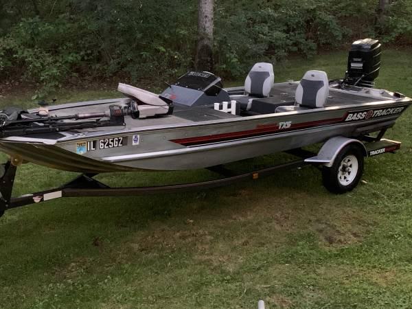 Photo 1989 Bass Tracker TXS 70HP - $3,000 (Baraboo)