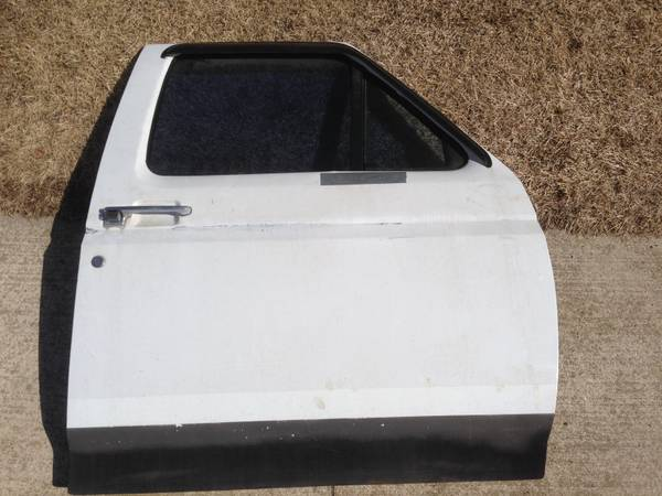 Photo 1992 1993 1994 1995 1996 F150 F250 F350 Passenger side door - $80 (Brooklyn)