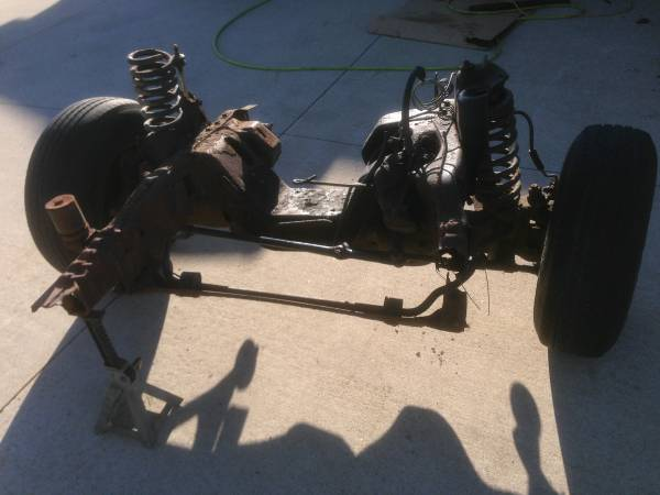 Photo 1992 1993 1994 1995 1996 F150 F250 Front Axle assy differential - $100 (Brooklyn)