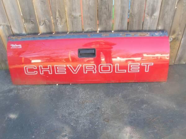 Photo 1995 Chevy Truck Tailgate oem - $1 (janesville)