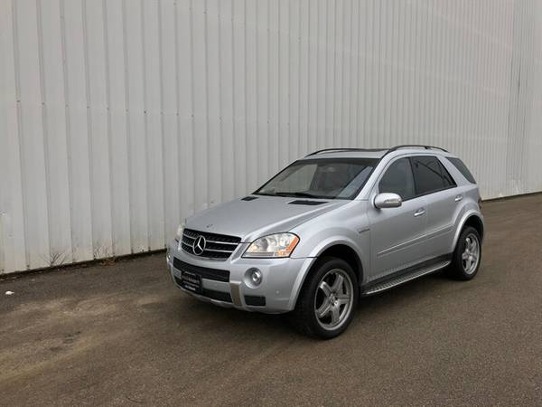 Photo 2007 Mercedes-Benz ML 63 AMG - AWD AMG LOADED DVD NAVI Back - $16995 (RARE ML 63 AMG V8 Power  Speed AWD)