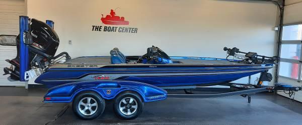 Photo 2011 Skeeter FX20 Bass Boat - $36,595 (Chippewa Falls)