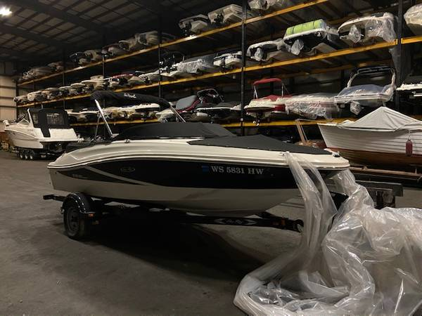 Photo 2012 Sea Ray 190 Sport with 4.3L MPI on trailer. 1 owner - $22,995 (Madison)