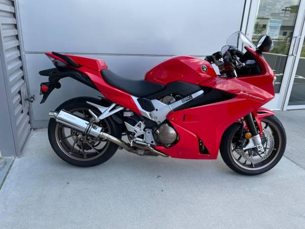 Photo 2014 Honda VFR800 - $7,500 (Madison)