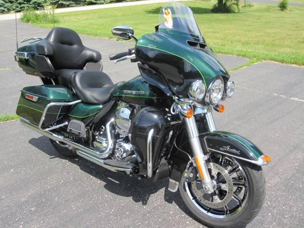 Photo 2016 Harley FLHTKU Ultra Limited - $19,000 (Milton)