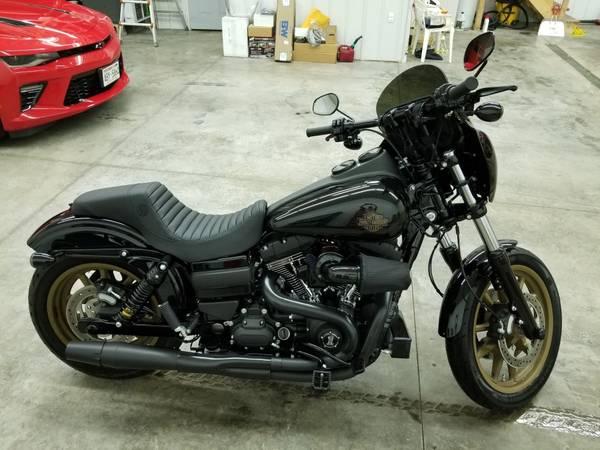 Photo 2017 Harley Davidson Dyna Low Rider S - $17,900 (Montfort)