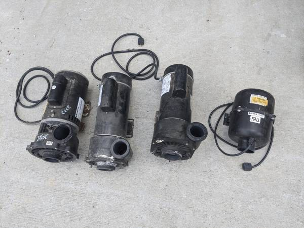 Photo 3x 4HP Hot Tub  Spa  Whirlpool pumps  Air Pump - $100 (Madison East)