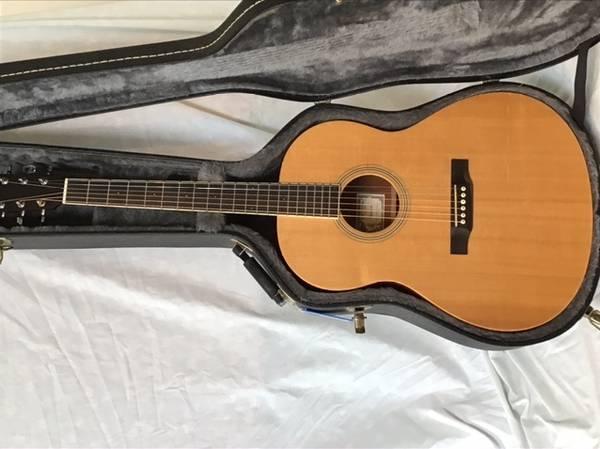 Photo Acoustic guitar - Larrivee - $450 (Madison)