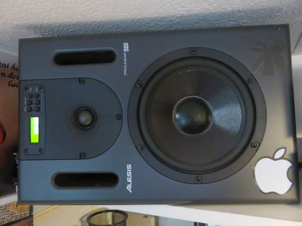 Photo Alesis Prolinear Studio Monitor Speakers - $450 (Stoughton)