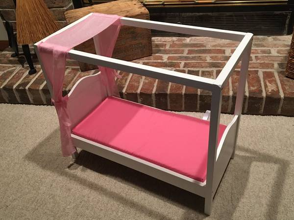 Photo American Girl Doll Bed by Battat - Our Generation Canopy Bed wMattres - $30 (S. Fish Hatchery)