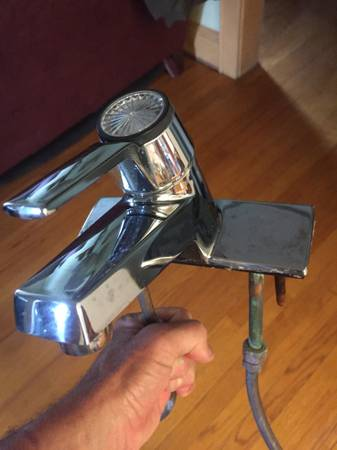 Photo American Standard Faucet - $10 (Central Madison)