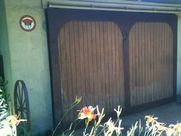 Photo Barn , shed sliding door 839 x 1239 - $395 (cottage grove)