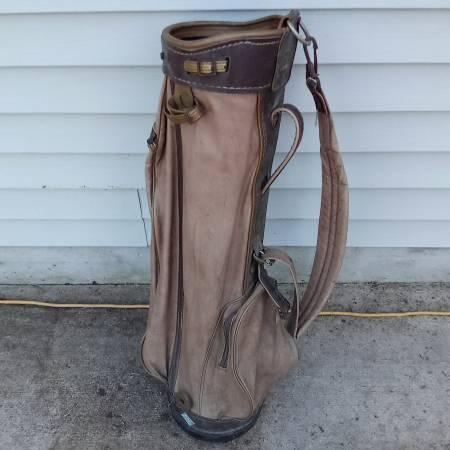 Photo Butchart Nicholls Vintage Brown Leather Golf Bag - $40 (KENSINGTON AVE)