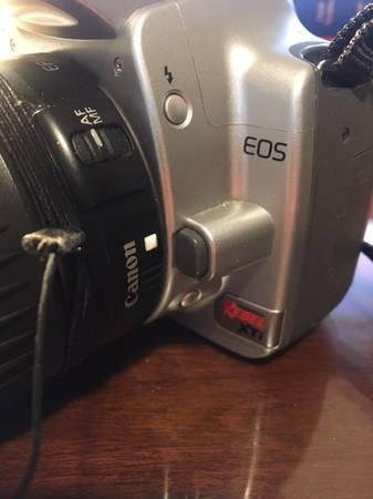 Photo Canon EOS Rebel Xti w18-55 Lens - $100 (Middleton)