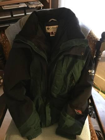 Photo Columbia Titanium winter coat - $20 (Columbus)