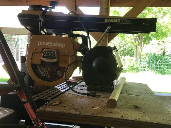 Photo DeWalt radial arm saw - $100 (ROCK SPRINGS)