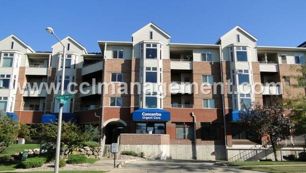 Photo Far West Nice One Bedroom for Rent 301 Harbour Town 327 (Madison)