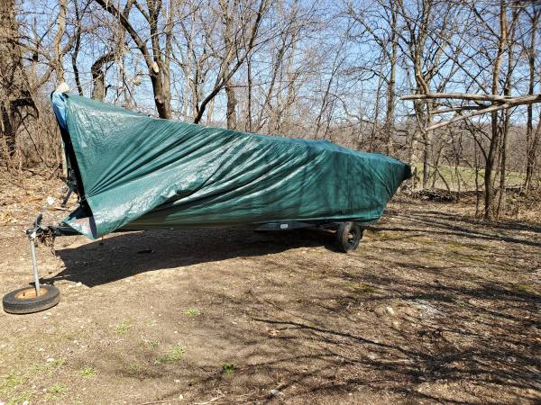 Photo Fishing Boat ( 14 foot ) - $1,000 (LodiLake of Wisconsin)