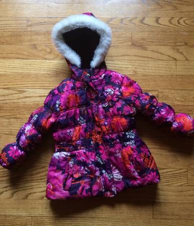 Photo Floral Winter Puffer Coat - Girls 4T - $10 (Madison)