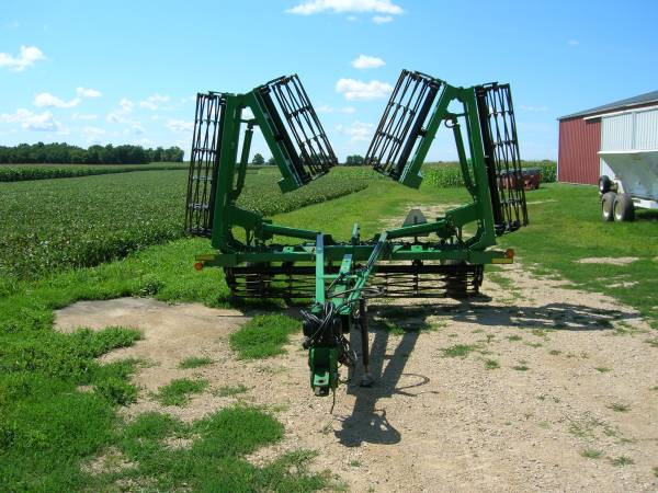 Photo For Sale JD 200 Roller Crumbler - $7,450 (Waterloo)