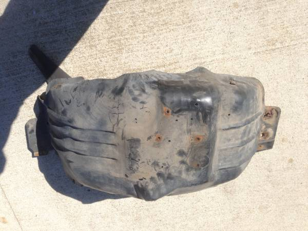 Photo Ford f150 F250 1992 1993 1994 1995 1996 Inner Fender wall Passenger - $40 (Madison)
