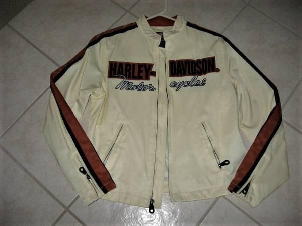 Photo Genuine Harley Davidson jacket Sz S ( Womens) - $25 (Madison east)