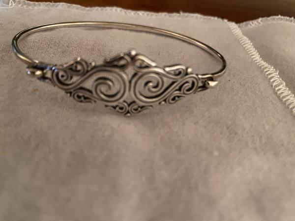 Photo James Avery silver bracelet - $75 (Stoughton)