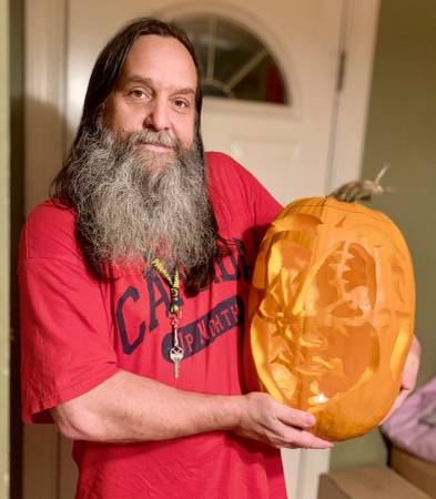 Photo Let me carve your pumpkins for you - $20 (Wisconsin Dells Wisconsin)