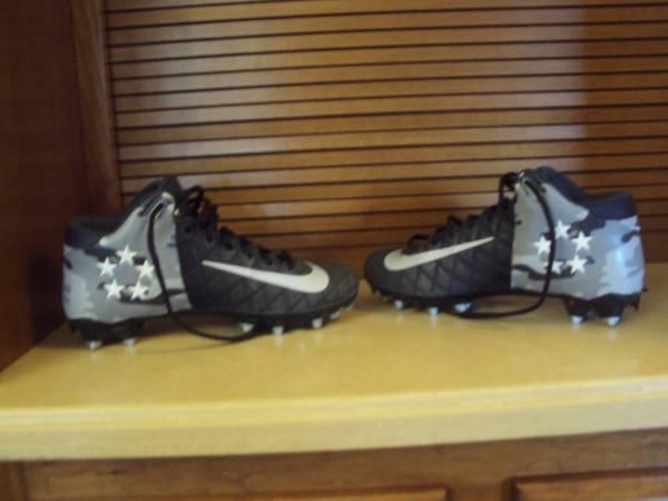 Photo Mens Nike Field General Pro 2 TD Mid Football Cleats-Size 8.5 - $25 (Cross Plains)