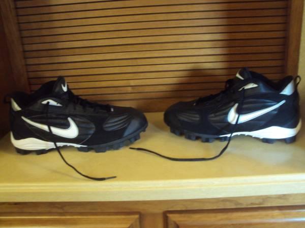 Photo Mens Nike Football Cleats-Size 11.5 - $25 (Cross Plains)