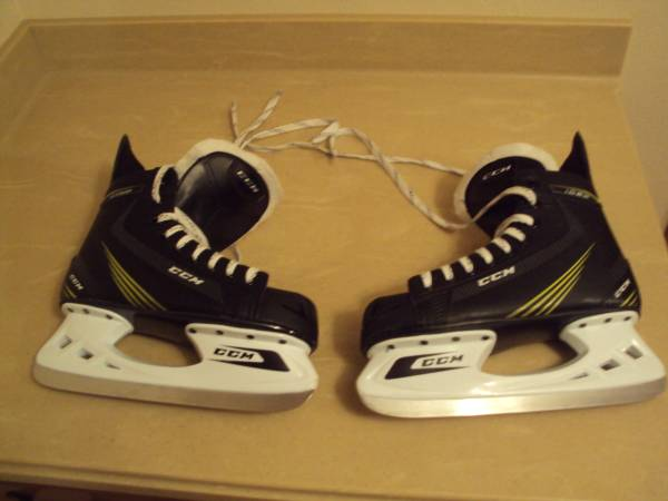 Photo Mens Senior CCM Tacks 1052 Ice Hockey Skates-Size 7 - $50 (Cross Plains)