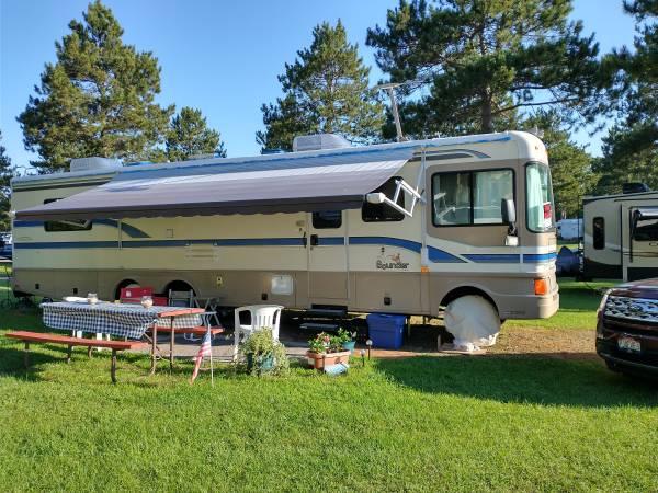 Photo Motorhome 3739 with slide - $26,000 (Lake Delton WI)