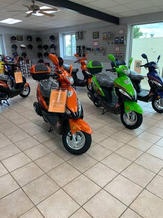 Photo New Road Legal 2020 Gas Powered 50cc Scooters In Stock - $1,050 (Q9 PowerSports USA)