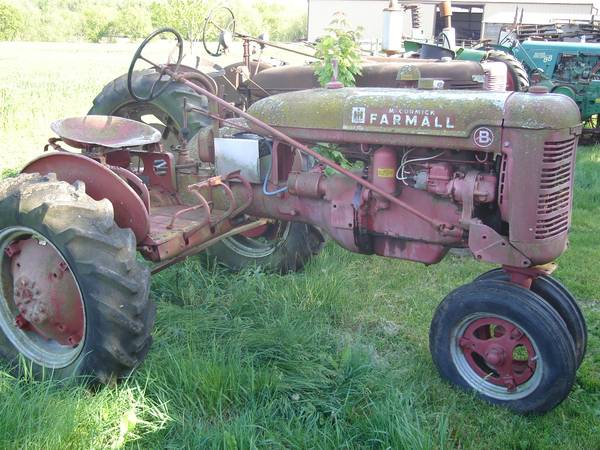 Photo Parting out Farmall Letter Series Tractors A, Super A, B, C, H - $1 (Caledonia, WI)