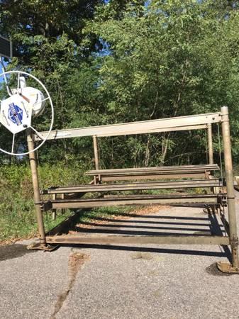 Photo Pontoon Boat Lift - $3,300 (Wisconsin Dells)
