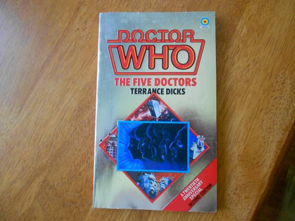 Photo RARE DOCTOR WHO BOOK IN GREAT SHAPE - $8 (Madison)