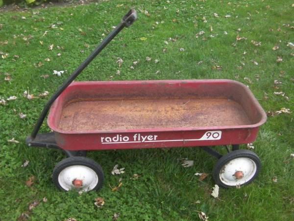 Photo Radio Flyer Red Wagon 90 - $10 (whitewater)